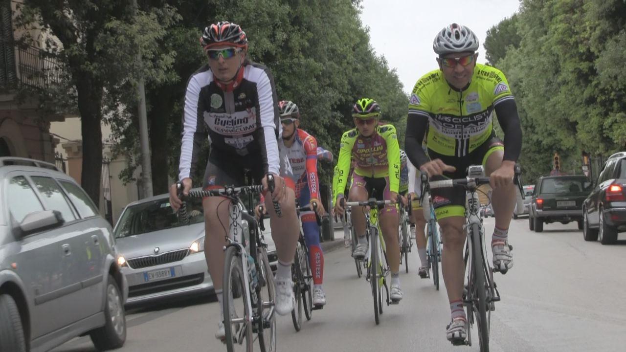 ciclisti_sul_percorso