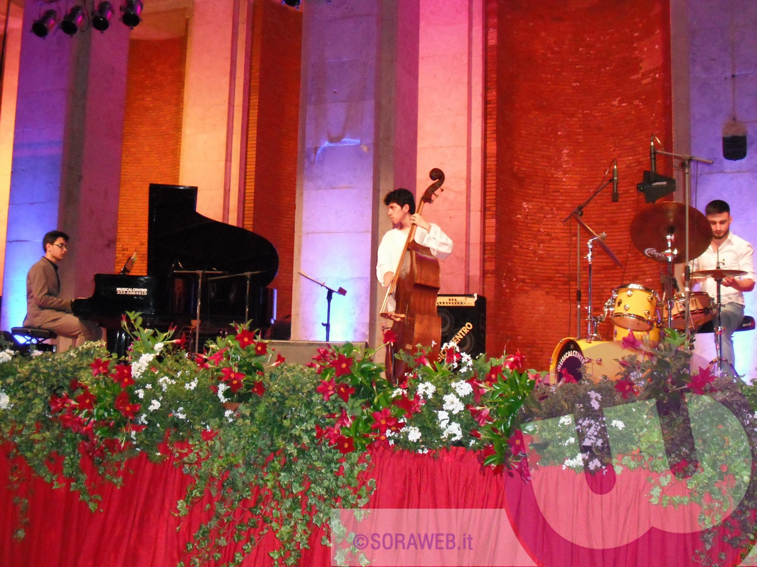 Soraweb - la formazione musicale di Napoli Lorenzo Vitolo Spring Trio