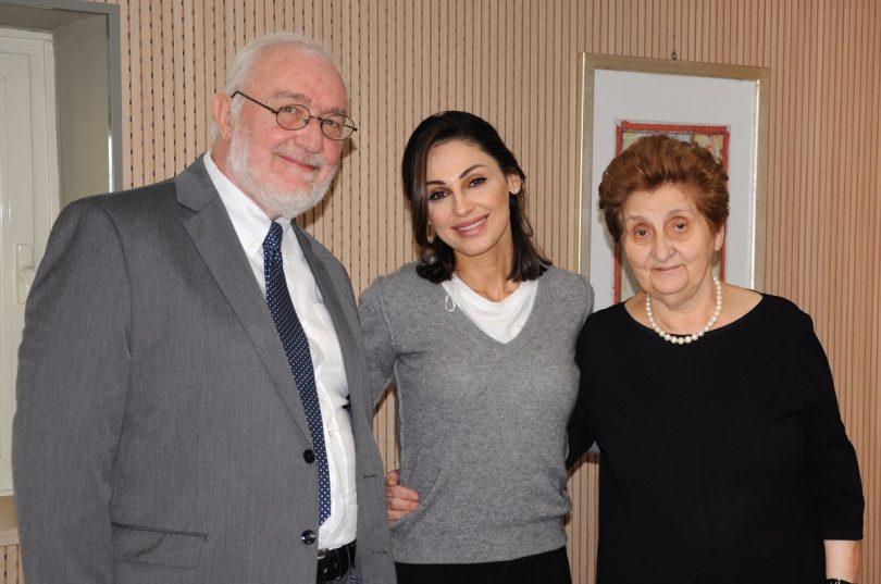 Anna Tatangelo dona 50.000 euro alla Fondazione Bambino Gesù